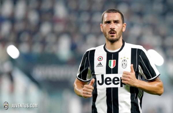Juventus infortuni Bonucci e Dani Alves novembre 2016