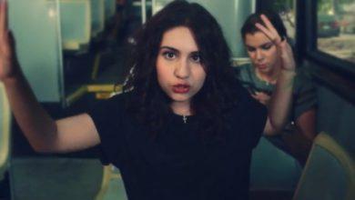 Alessia Cara nel video per Seventeen
