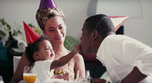 Beyoncé, Jay Z e la figlia Blue Ivy nel video per All Night
