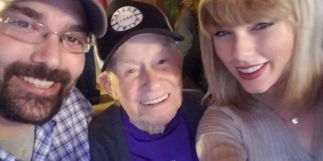 Taylor Swift visita un veterano della 2 guerra mondiale