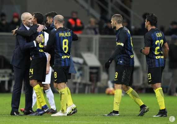 I giocatori dell'Inter esultano dopo Inter Chievo 3 1 Icardi Perisic Eder