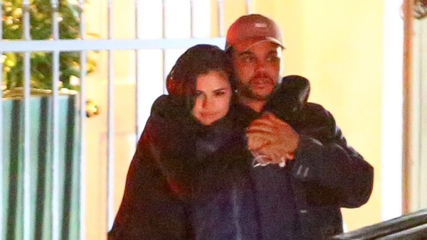 Bacio tra Selena Gomez e The Weeknd