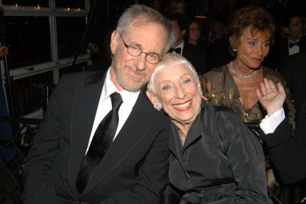 Leah Adler e Steven Spielberg.