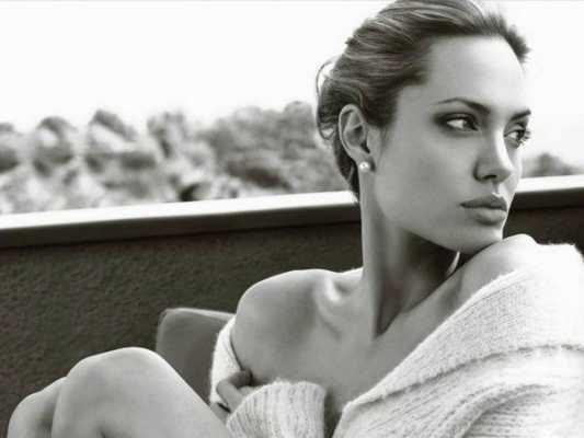 Angelina Jolie parla del divorzio