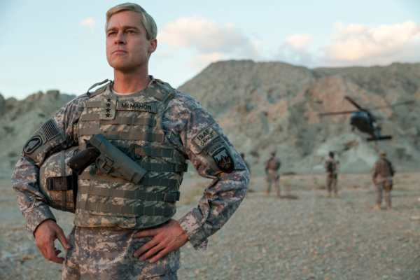 Brad Pitt in War Machine di Netflix