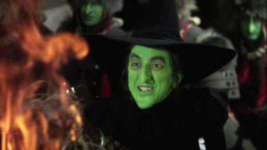 Margaret Hamilton come la Strega Dell'Ovest nel mago di Oz.