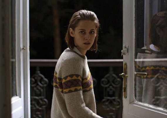 Personal Shopper Recensione - Kristen Stewart nel film