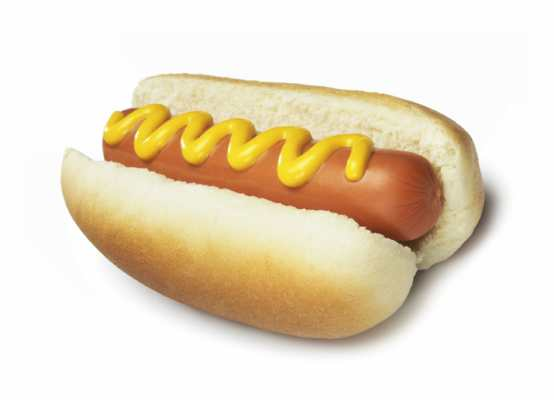 hot dog - mandorle - cibi velenosi che mangiamo quasi tutti i giorni