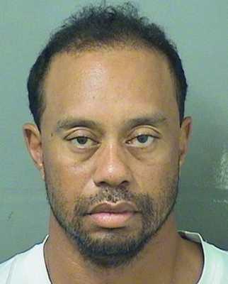 Foto di Tiger Woods arrestato perché guidava da ubriaco