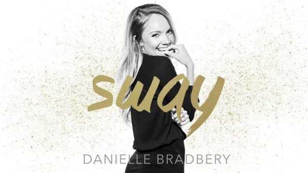 Danielle Bradbery - Sway, cover del singolo.