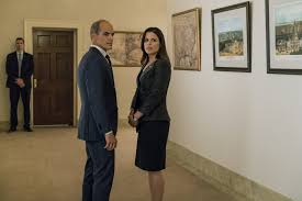 Michael Kelly e Neve Campbell, quinta stagione