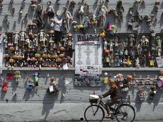 Muro di Bambole Milano - Milano luoghi nascosti