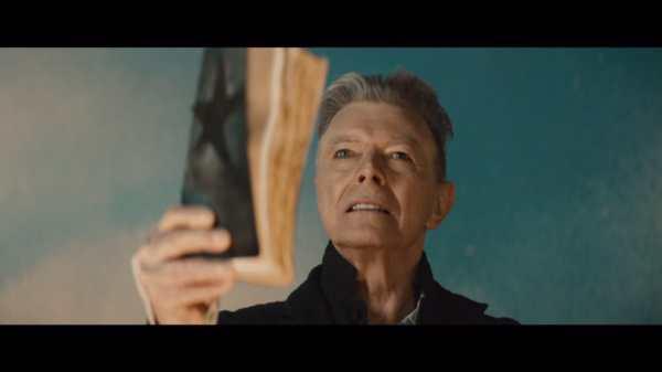 David Bowie nel video di 'Blackstar'