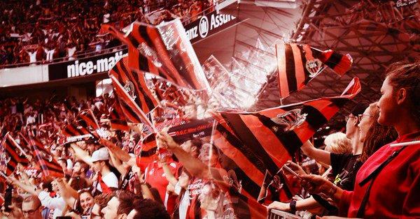 Foto dei supporter del Nizza di Balotelli