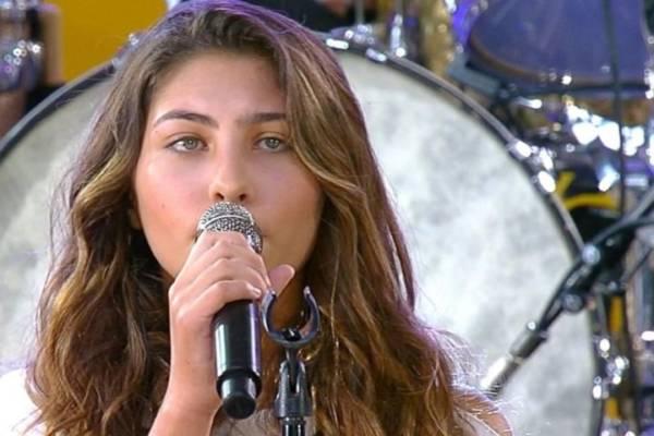 figlia Chris Cornell canta Hallelujah