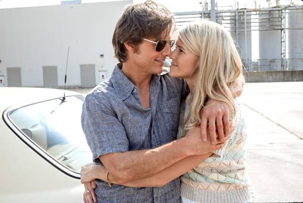 Tom Cruise e Sarah Wright in Barry Seal – Una storia americana - Recensione