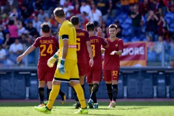 El Shaarawy esulta dopo un goal in Roma-Udinese del 23 settembre.