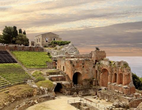 città italiane da visitare in autunno - Taormina