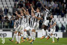 Calciatori della Juventus esultano dopo la vittoria contro la Fiorentina. Credits Juventus. - Juventus favorita scudetto 2017/18?