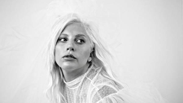 Lady Gaga rompe il silenzio su R.Kelly