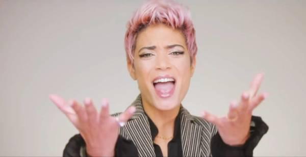 Elodie nel video di Semplice.