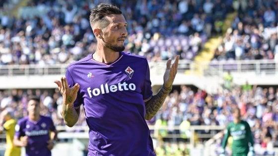 Thereau gioisce dopo una rete siglata con la maglia della Fiorentina.