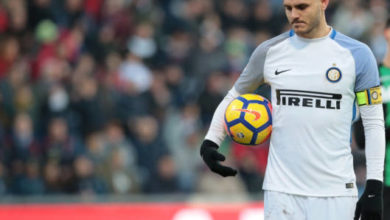Icardi si appresta a tirare il penalty, nel match contro il Sassuolo del 23 dicembre.