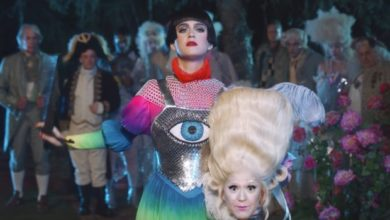 "Katy Perry nel video ""Hey Hey Hey"""