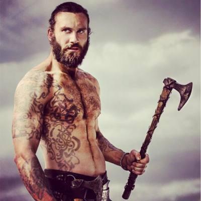 Immagine di Clive Standen nei panni di Rollo nella serie Vikings