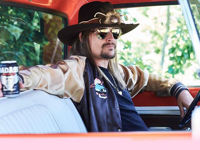 Immagine di Kid Rock in auto