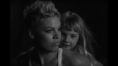 Pink e la figlia Willow | video Wild Hearts Can't Be Broken