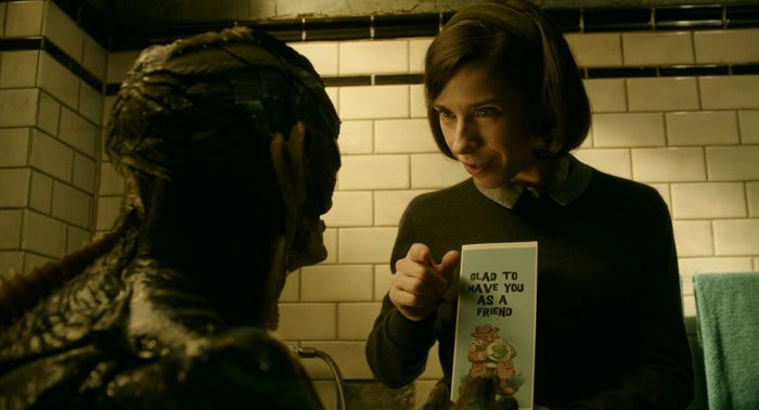 Doug Jones e Sally Hawkins in La Forma Dell'Acqua - The Shape of Water