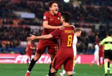 Cengiz Under esulta dopo un gol siglato al Benevento, l'11 febbraio.