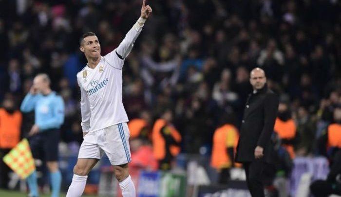 Cristiano Ronaldo esulta dopo la doppietta messa a segno contro il Psg, il 14 febbraio.