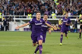 Federico Chiesa esulta dopo un gol realizzato in campionato.