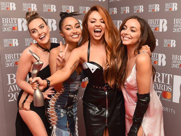 Le quattro spumeggianti ragazze la sera dei Brit Awards nel 2017