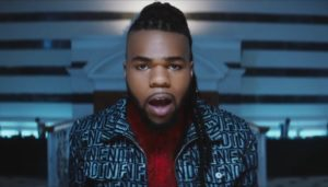 MNEK video musicale Tongue foto