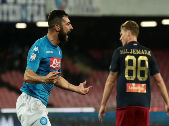 Albiol esulta dopo la rete decisiva siglata contro il Genoa, il 18 marzo.