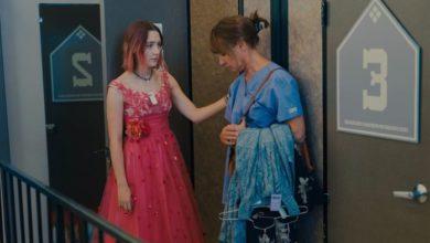 Foto Laurie Metcalf e Saoirse Ronan in Lady Bird
