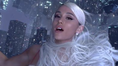 "Ariana Grande nel video ""No Tears Left to Cry"""