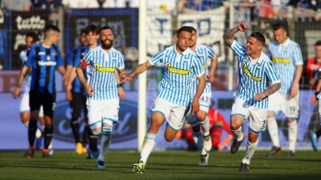 Cionek festeggia il suo gol realizzato contro l'Atalanta, il 7 aprile