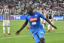 Koulibaly esulta dopo la rete messa a segno contro la Juventus, il 22 aprile