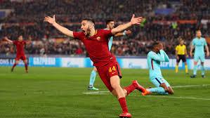 Manolas festeggia dopo il gol del 3-0 al Barcellona, il 10 aprile