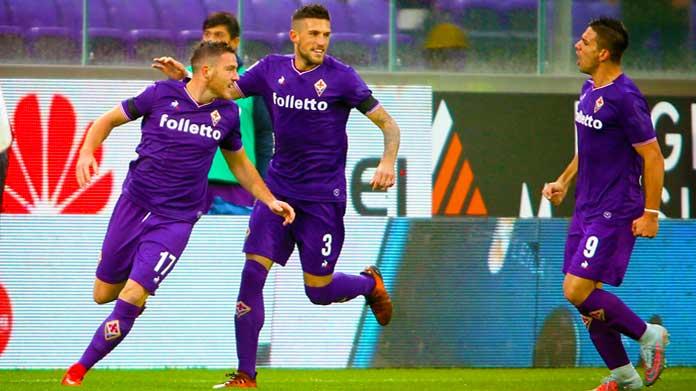 Veretout esulta dopo la tripletta messa a segno contro la Lazio, il 18 aprile