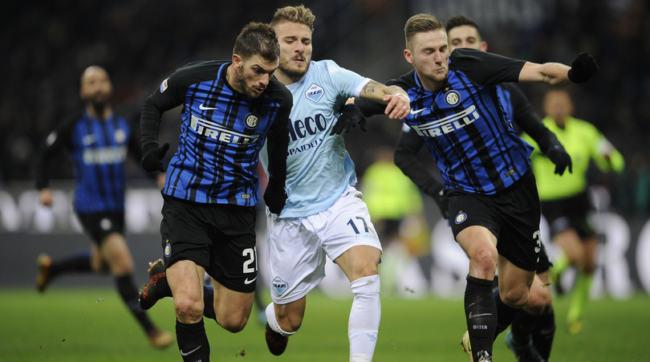Immobile fronteggiato da Skriniar e Santon durante Inter-Lazio del 30 dicembre 2017