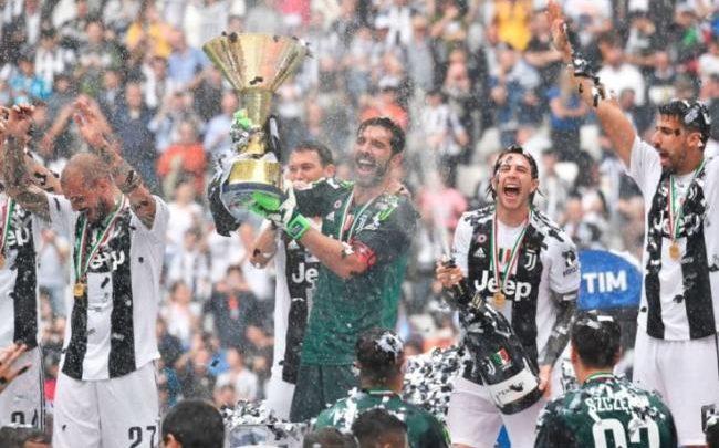 La Juventus festeggia la conquista del settimo scudetto consecutivo, il 19 maggio 2018