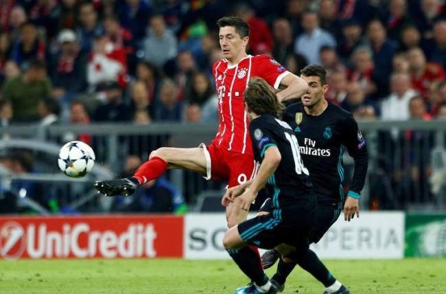 Lewandowski in azione contro il Real Madrid nella semifinale d'andata di Champions del 25 aprile