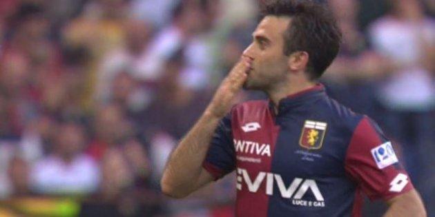 Giuseppe Rossi esulta dopo la rete realizzata contro la Fiorentina, il 6 maggio