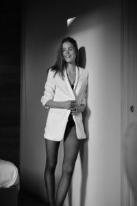 Pauline Schüller foto giacca bianco e nero
