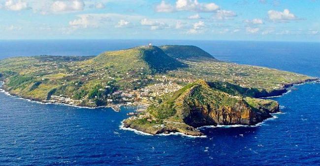 L'isola di Ustica - Sicilia
